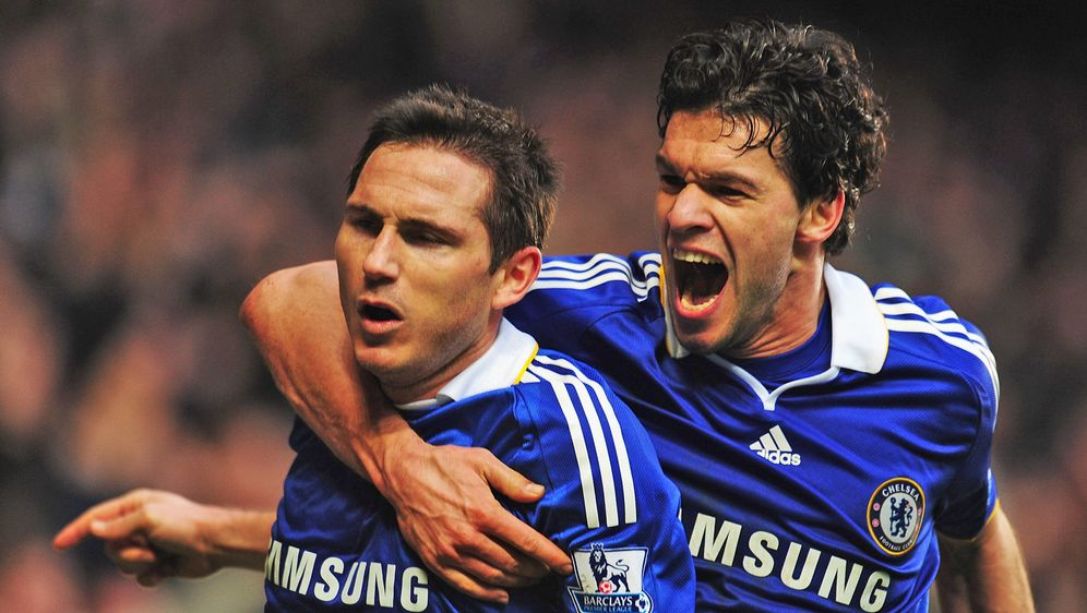 Wird Michael Ballack (re.) der Co-Trainer von Ex-Teamkollege Frank Lampard (... - Bildquelle: 2009 Getty Images