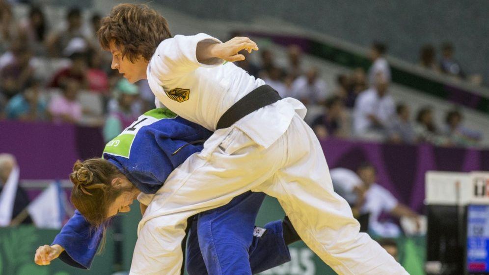 Kämpft um Bronze: Ramona Brussig (r.) - Bildquelle: AFPSIDJACK GUEZ