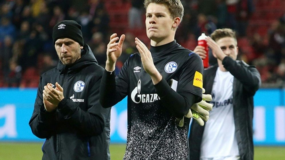 Schalke-Keeper Alexander Nübel gesteht Fehler ein - Bildquelle: FIROFIROSID