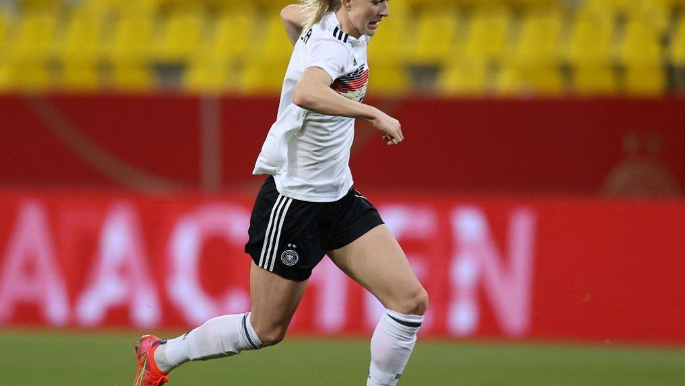 Lea Schüller dreht mit ihrem Viererpack die Partie - Bildquelle: FIROFIROSID