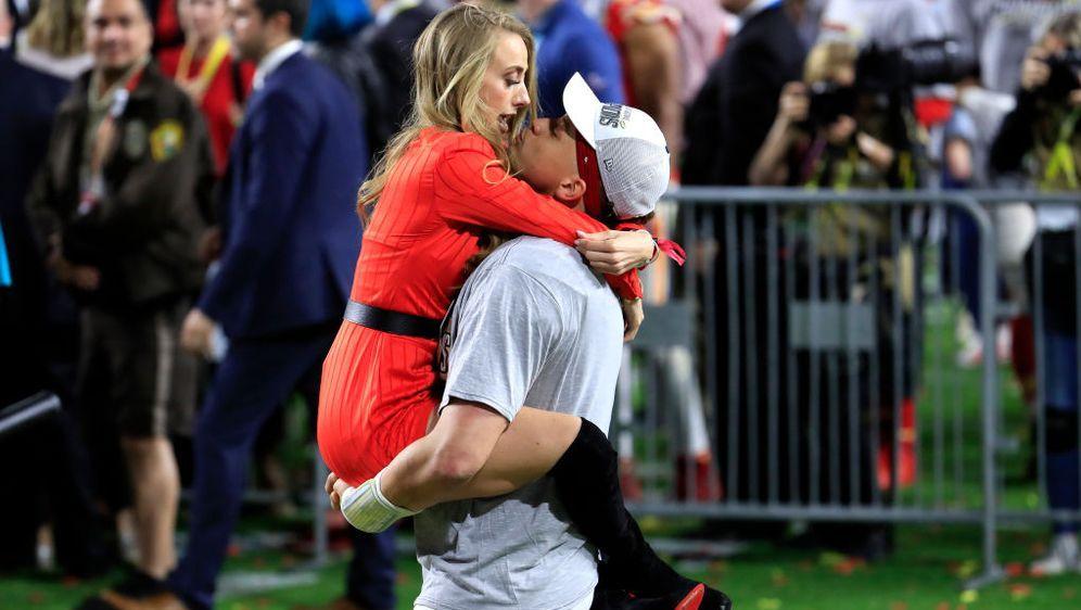 Stolze Eltern nach dem Super Bowl-Sieg 2020: Brittany und Patrick - Bildquelle: Getty