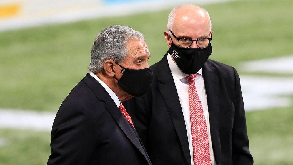 Falcons-Besitzer Arthur Blank und CEO Rich McKay (rechts). - Bildquelle: imago images/Icon SMI