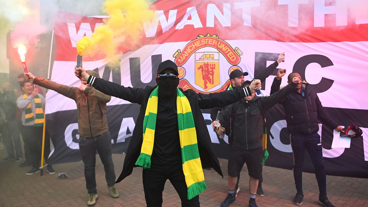 Proteste und Stadion-Sturm am Old Trafford - Bildquelle: Getty Images