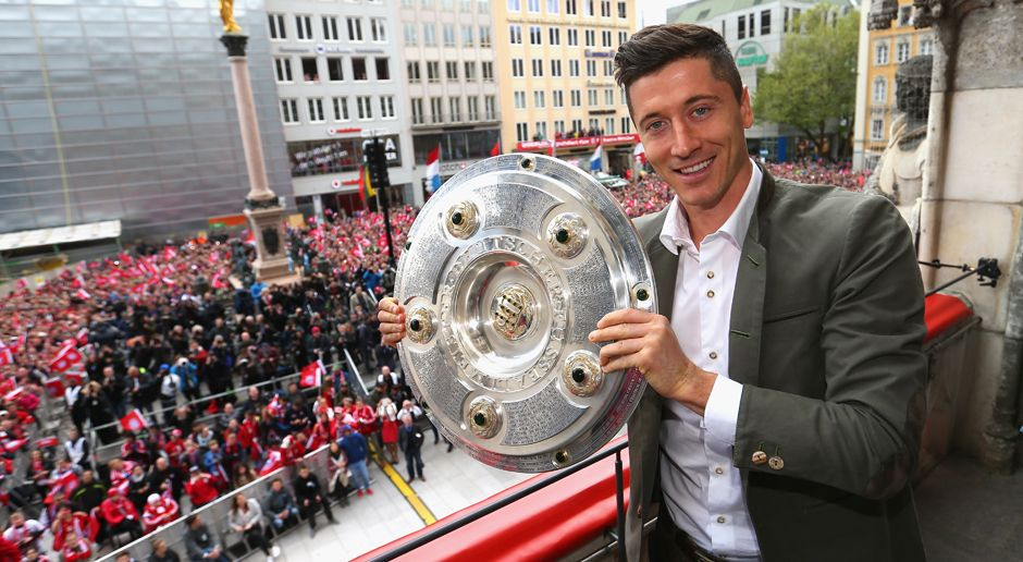2014 - Robert Lewandowski zum FC Bayern München (ablösefrei) - Bildquelle: 2016 Getty Images