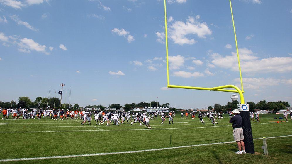 Die NFL-Teams sollen wie geplant ab Ende Juli mit ihren Training Camps begin... - Bildquelle: 2007 Getty Images