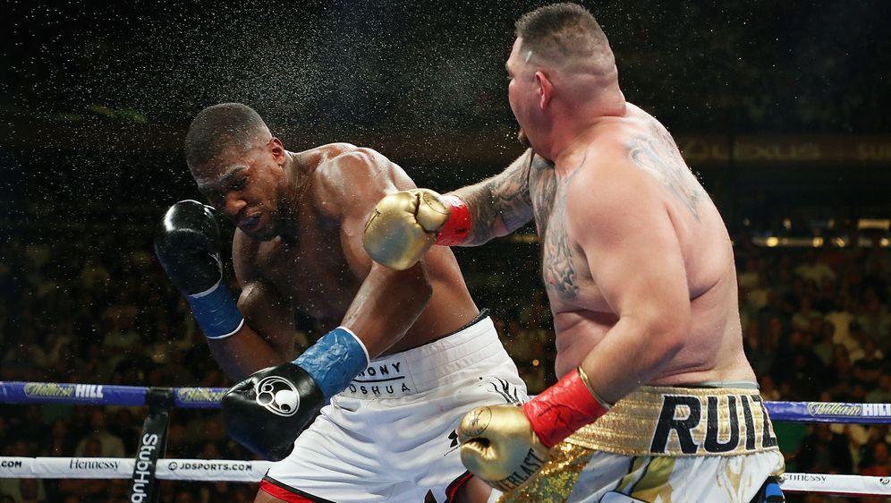 Den ersten Kampf um die Schwergewichts-WM gewannAndy Ruiz Jr. (re.) gegen A...