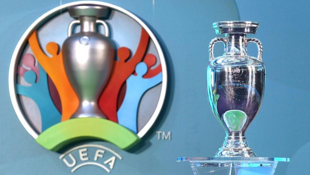 Die EM 2020 soll verschiben werden - Bildquelle: FIROFIROSID