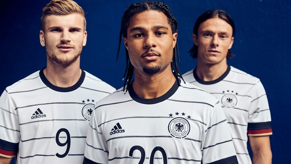 DFB: Neues Trikot der Nationalmannschaft präsentiert - Bildquelle: ADIDASADIDASSID