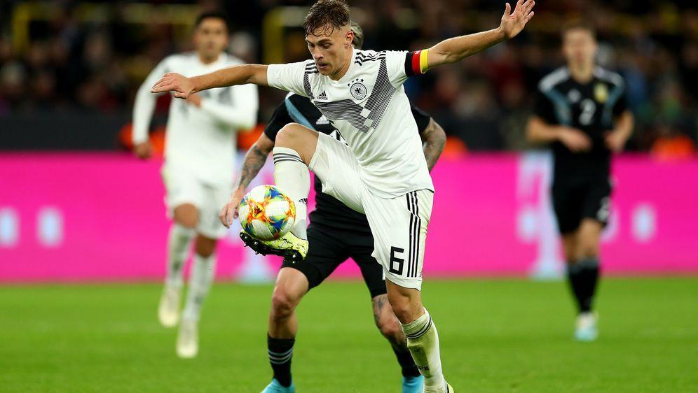Joshua Kimmich war gegen Argentinien erstmals Kapitän der Nationalmannschaft... - Bildquelle: Getty