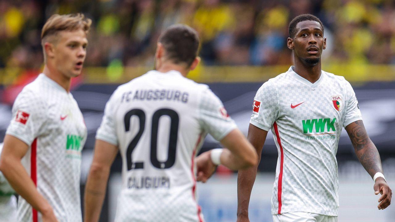 FC Augsburg - Bildquelle: imago images/RHR-Foto