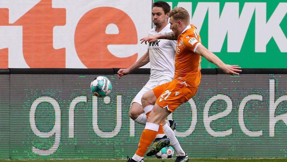 Arminia Bielefeld kommt beim FC Augsburg nicht über ein torloses Unentschied... - Bildquelle: Imago Images