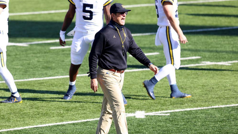 Jim Harbaugh hat seinen Vertrag bei den Michigan Wolverines bis 2025 verläng... - Bildquelle: 2020 Getty Images