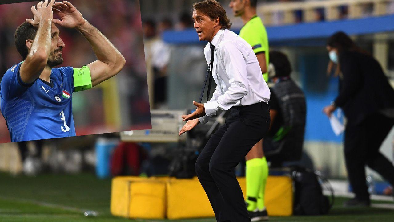 """""""Keine Brille dabei"""": Italiens Nationaltrainer Mancini lässt Superstar aus Versehen auf der Bank - Bildquelle: Getty Images"""