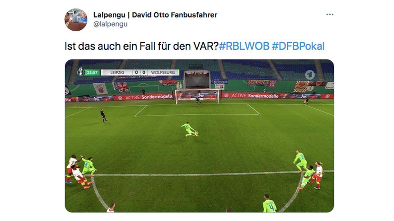 VAR-Wahnsinn im DFB-Pokal: So reagiert das Netz - Bildquelle: Twitter/@lalpengu