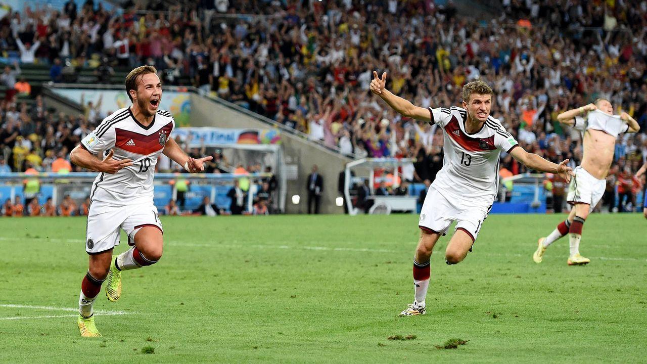Thomas Müller erster Gratulant