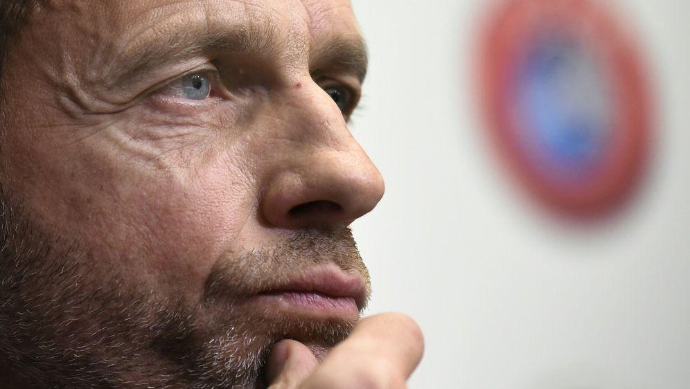 Aleksander Ceferin unterschrieb am Mittwoch das MoU - Bildquelle: AFPSIDJOHN THYS