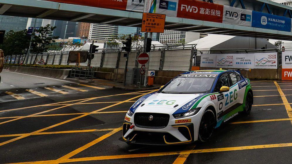Cacá Buenobelegte beim Qualifying in Hongkong Platz 1. - Bildquelle: Motorsport Images