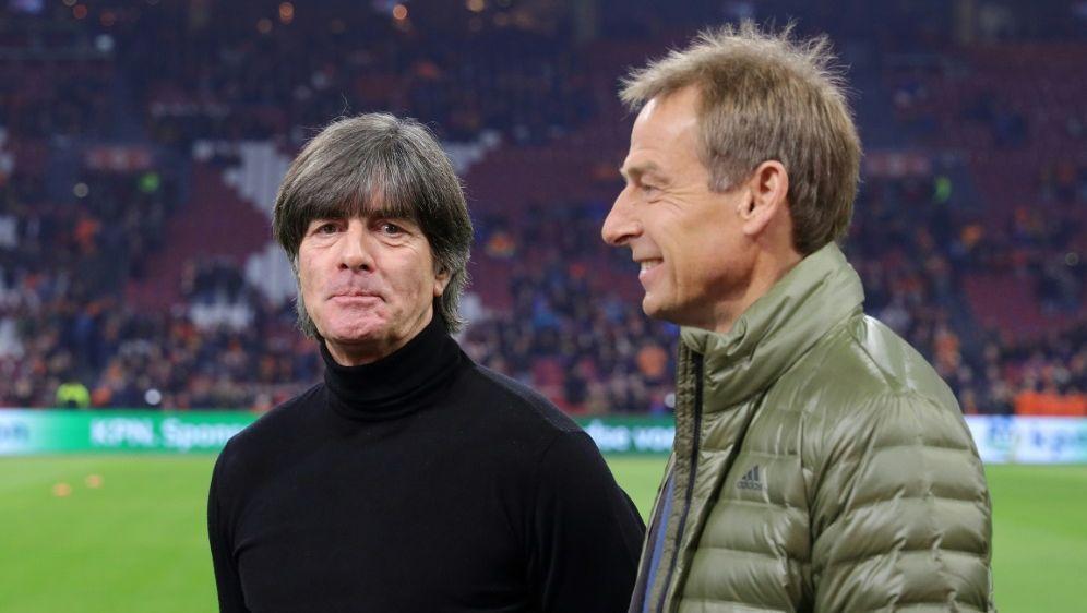 Jürgen Klinsmann (r.) begrüßt die DFB-Torwartdiskussion - Bildquelle: FIROFIROSIDfiro SportphotoRalf Ibing