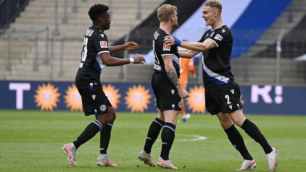 Arminia Bielefeld hat die Abstiegsplätze verlassen - Bildquelle: imago images/Ulrich Hufnagel
