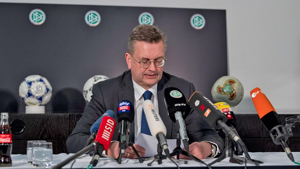 Reinhard Grindel ist nicht länger DFB-Präsident. - Bildquelle: Getty