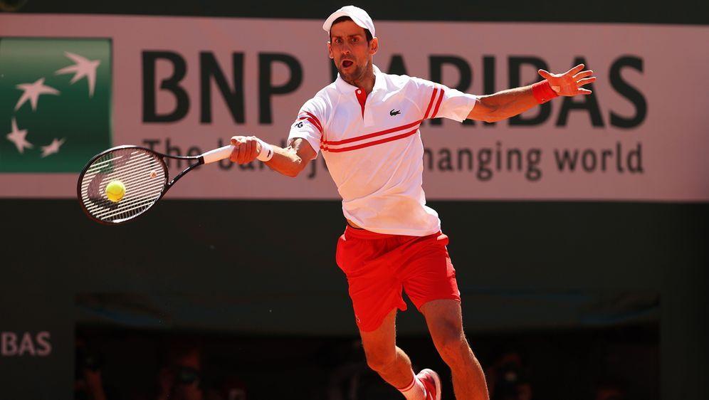 Nach einem 0:2-Rückstand holt Djokovic noch den Titel - Bildquelle: Getty Images
