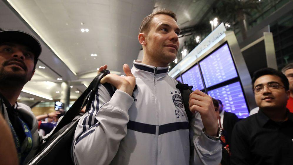 Sitzt er schon auf gepackten Koffern? Die Zukunft von Manuel Neuer, hier bei... - Bildquelle: Getty Images