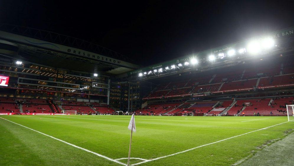 Bald bis zu 10.000 Fans im Stadion erlaubt - Bildquelle: FIROFIROSID
