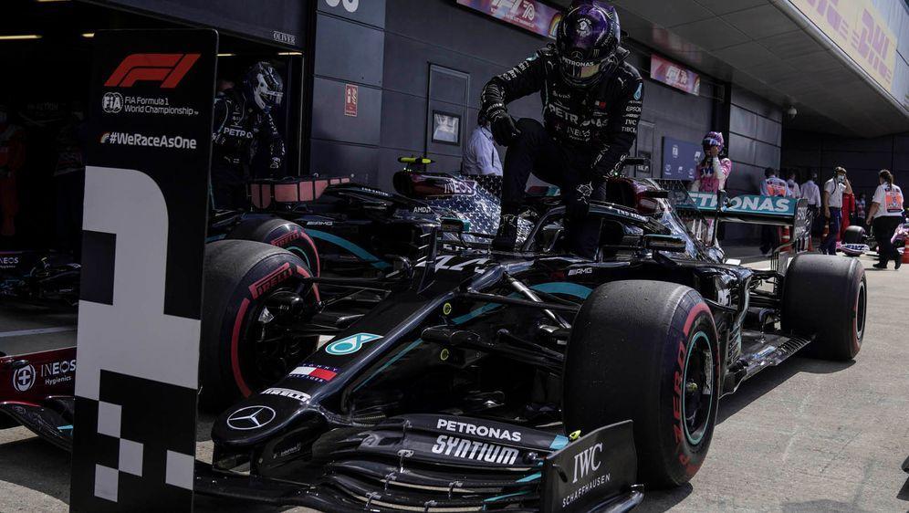 Eine schier unschlagbare Kombination: Lewis Hamilton und sein Mercedes. - Bildquelle: imago
