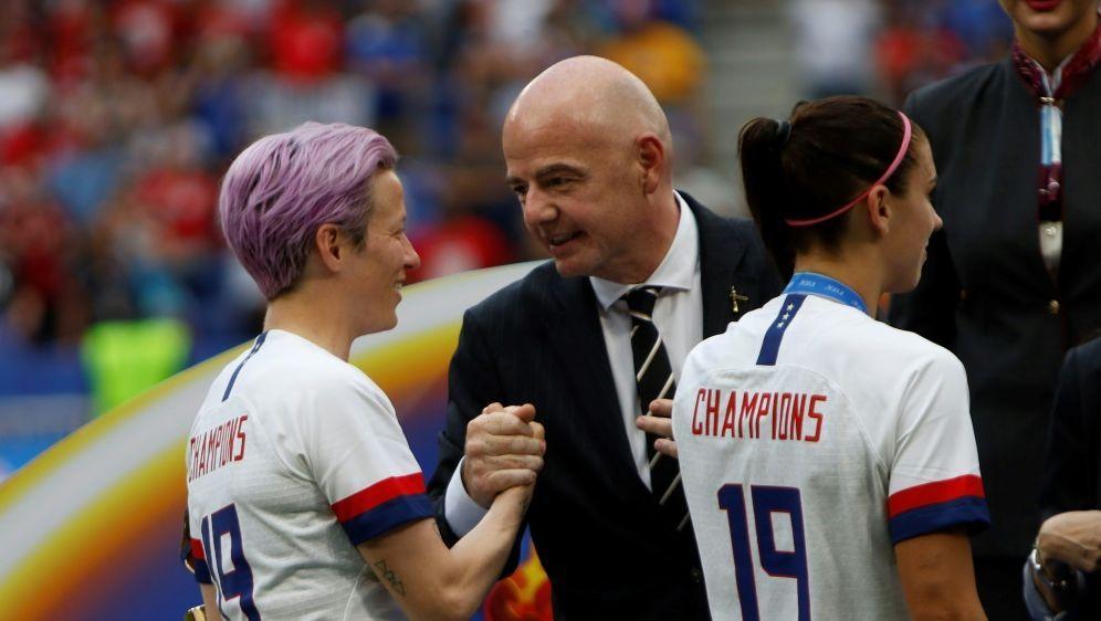 Gianni Infantino möchte Frauenfußball weiter fördern - Bildquelle: PIXATHLONPIXATHLONSID