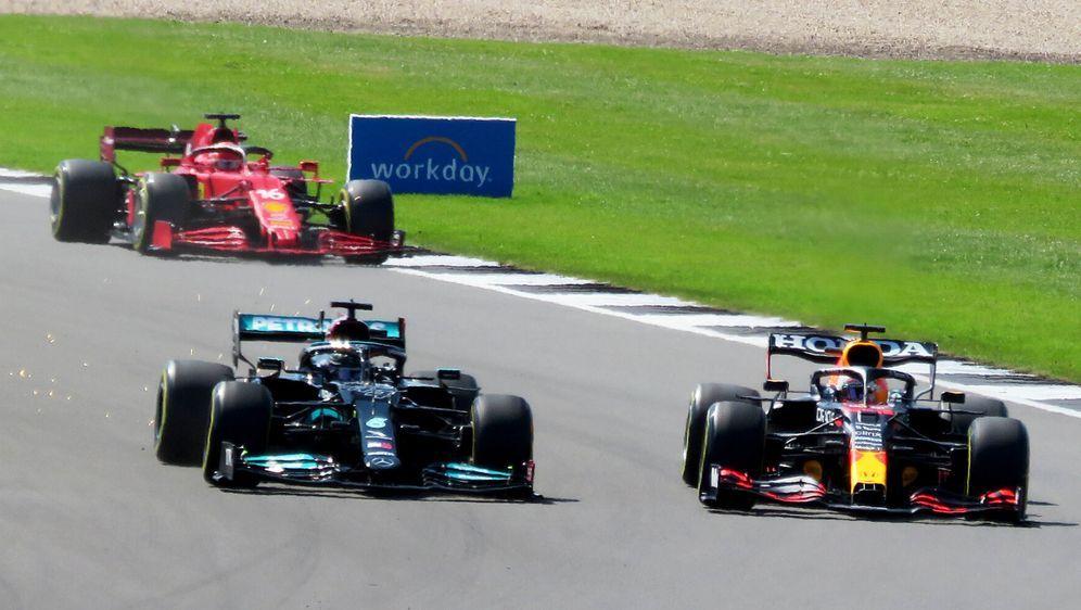 Lewis Hamilton und Max Verstappen: Droht die Rivalität jetzt zu eskalieren? - Bildquelle: Motorsport Images