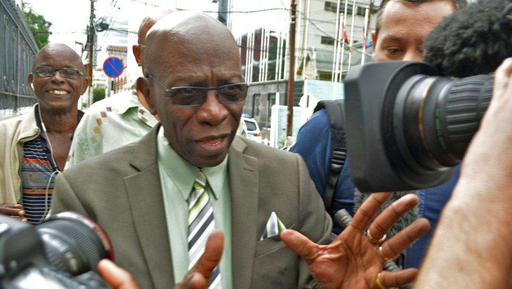 Jack Warner muss knapp 70 Millionen Euro Strafe zahlen - Bildquelle: AFPSIDALVA VIARRUEL