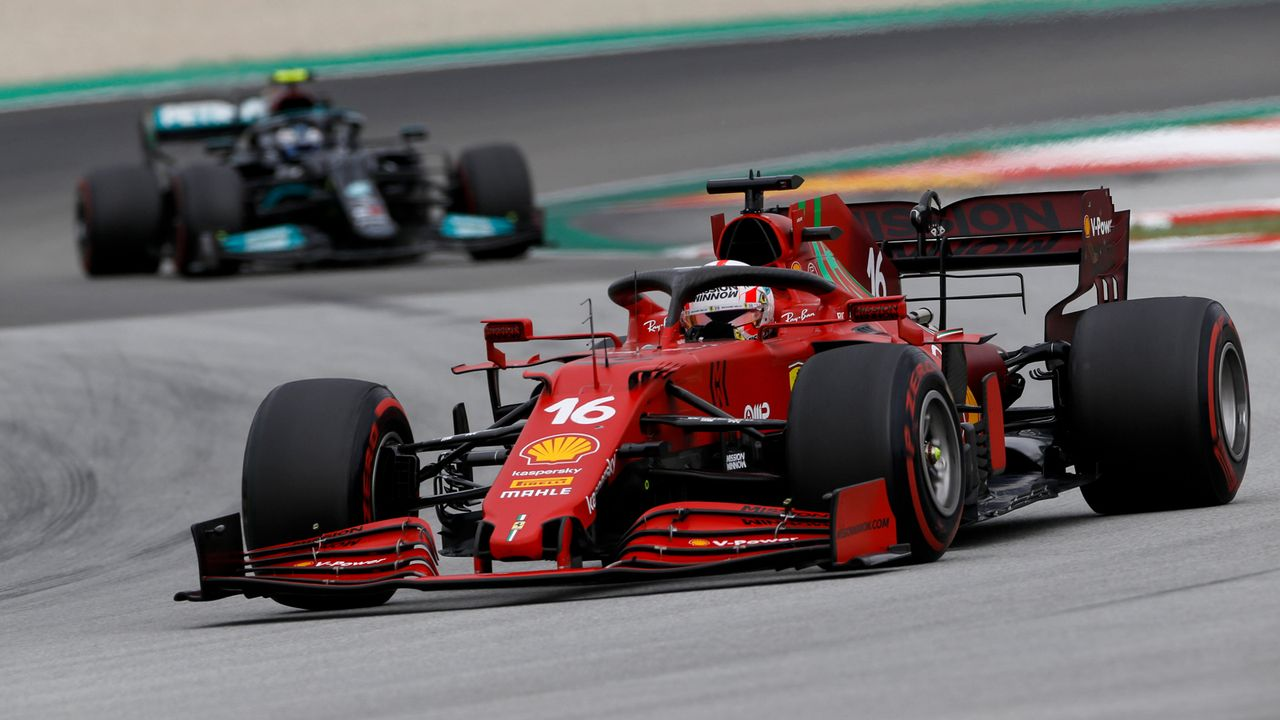Ferrari ist ziemlich zurück - Bildquelle: imago images/HochZwei
