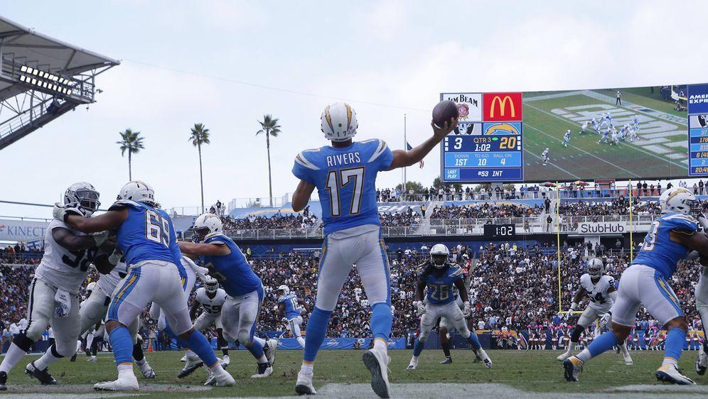 Großer Sport in einem kleinen Stadion: Die Los Angeles Chargers sind das wir... - Bildquelle: Imago