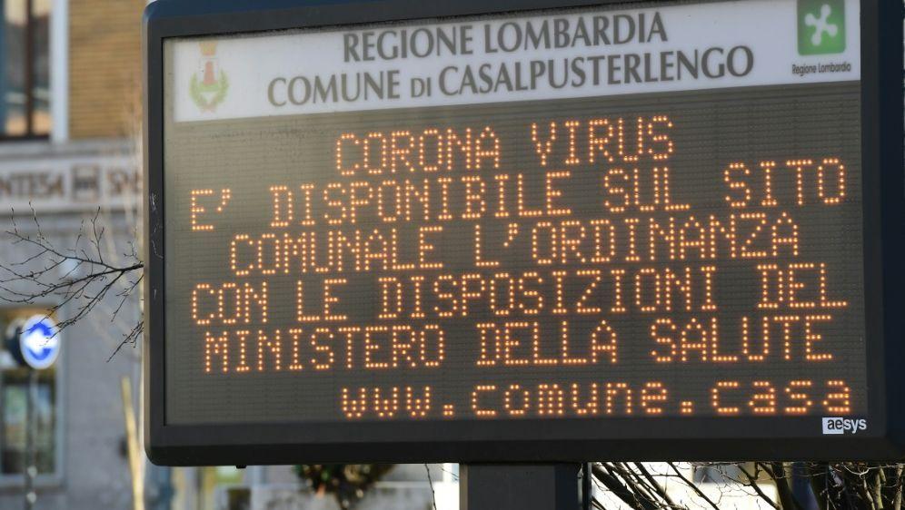 Der Coronavirus sorgt weiter für Spielabsagen in Italien - Bildquelle: AFPSIDMIGUEL MEDINA
