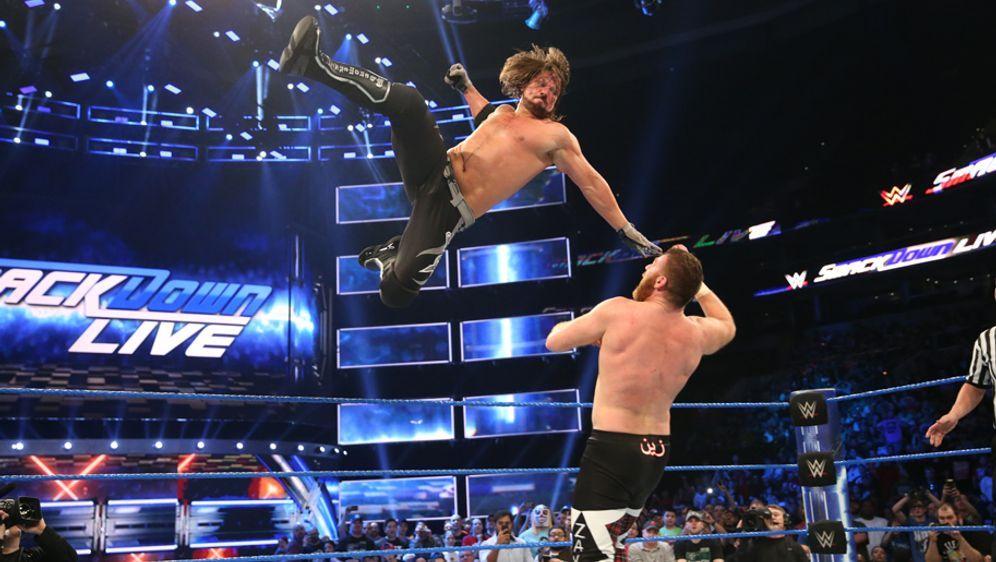 AJ Styles (l.) vs. Sammie Zayn (r.): Faszination WWE - Bildquelle: WWE