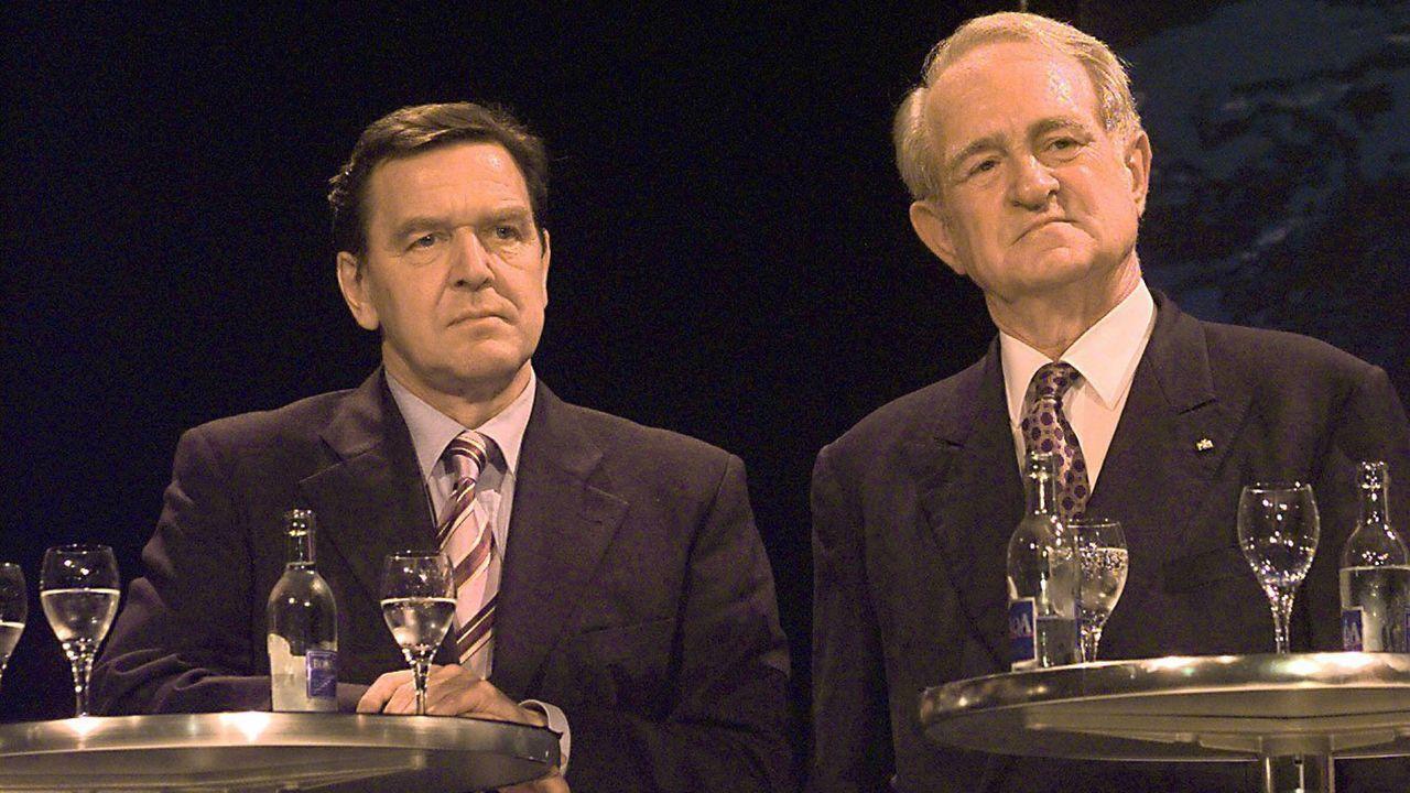 Gerhard Schröder und Johannes Rau sind an der Macht  - Bildquelle: imago
