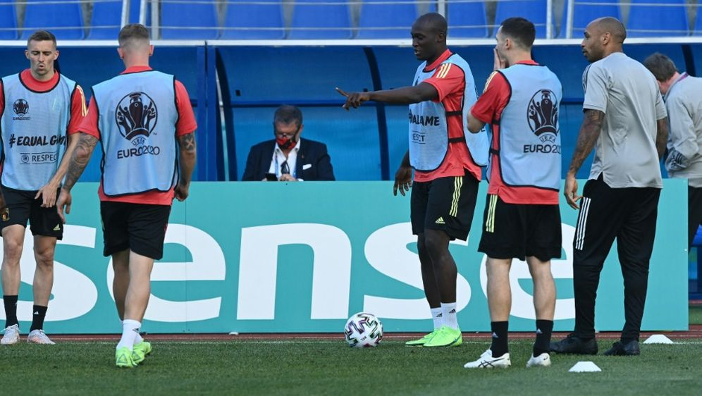 Die Belgier starten heute Abend ins EM-Turnier - Bildquelle: AFPSIDKIRILL KUDRYAVTSEV
