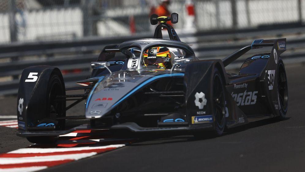 Mercedes hat eine Option unterschrieben und erhält Daten des neuen Gen3-Fahr... - Bildquelle: Motorsport Images