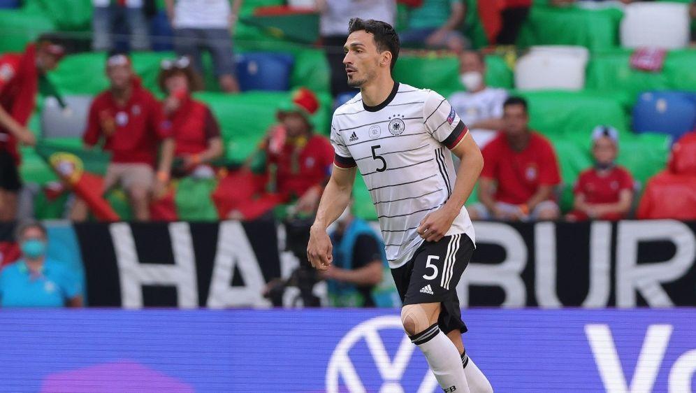 Hummels kann sich einen Verbleib im DFB-Team vorstellen - Bildquelle: FIROFIROSID