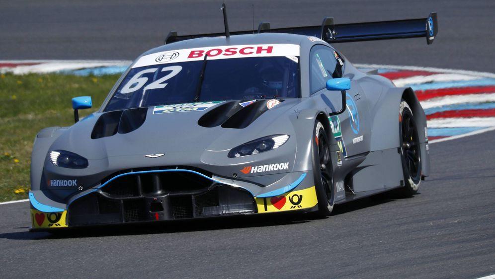 Aston Martin ist in Hockenheim mit vier Autos am Start. - Bildquelle: imago images / HochZwei