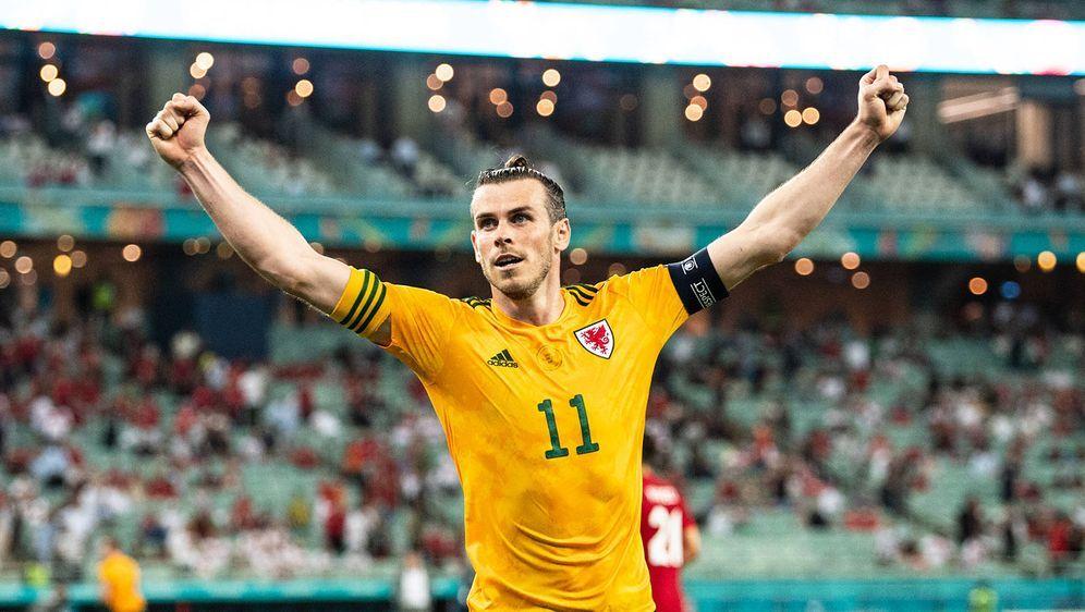 Gareth Bale blüht im Nationaltrikot wieder auf. - Bildquelle: imago images/Just Pictures