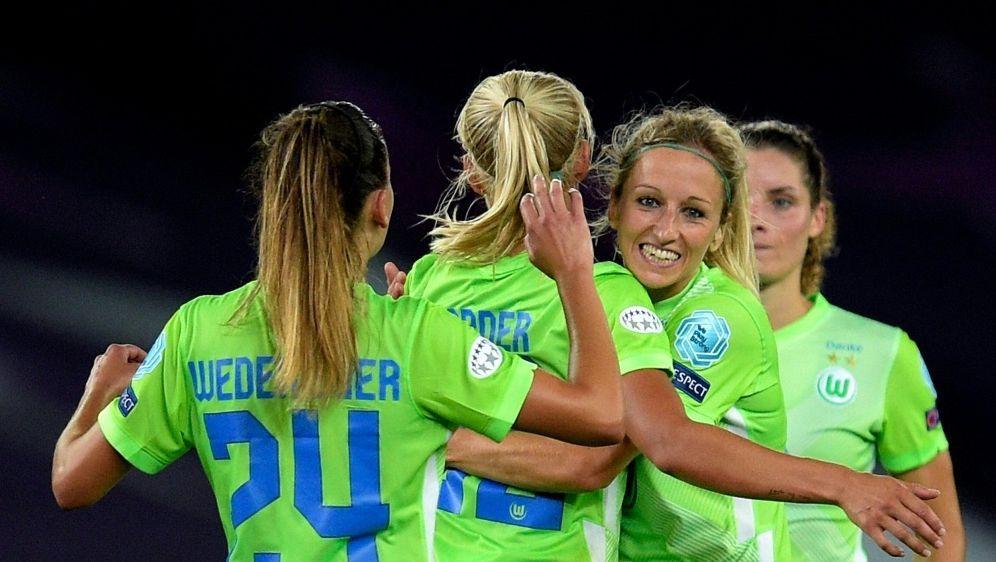 Double-Gewinner Wolfsburg bezwingt Aufsteiger Meppen 2:0 - Bildquelle: FIROFIROSID