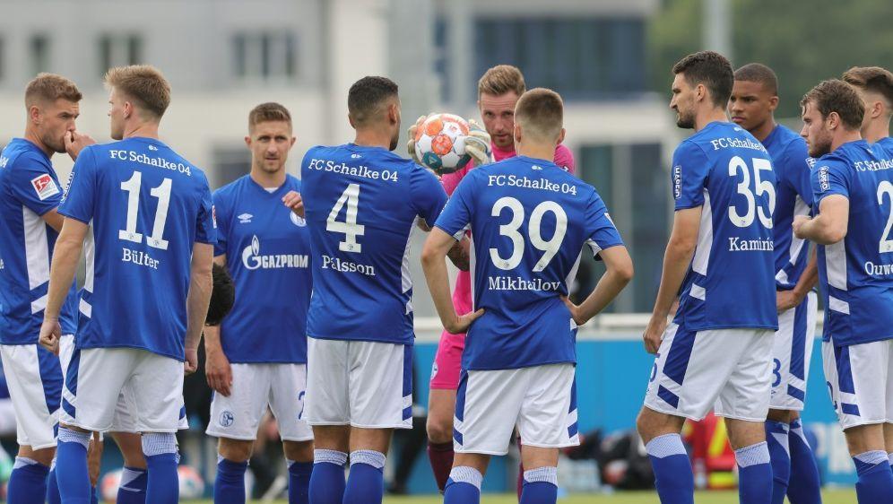 Schalke spielt gleich mit acht Neuzugängen gegen den HSV - Bildquelle: FIROFIROSID