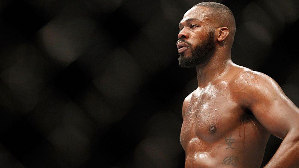 Hat UFC-Star Jon Jones das Potenzmittel Cialis geschluckt? - Bildquelle: Getty Images