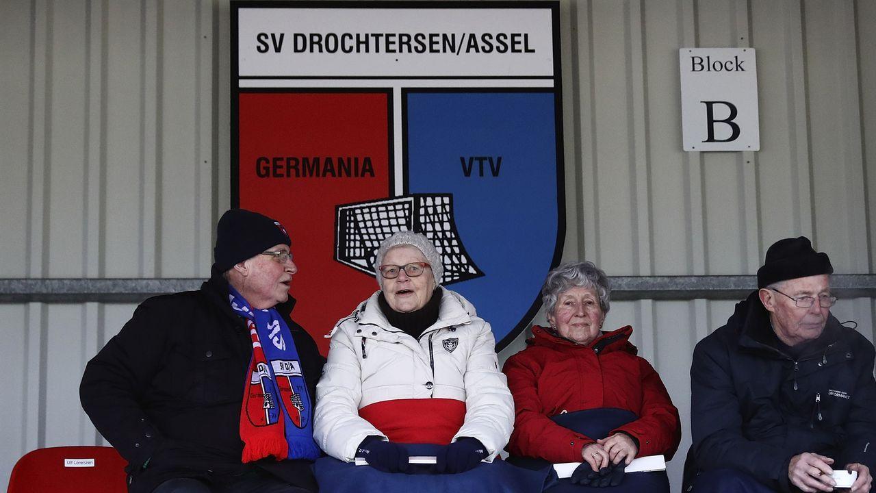 Die Kuriositäten der ersten Runde im DFB-Pokal - Bildquelle: 2017 Getty Images
