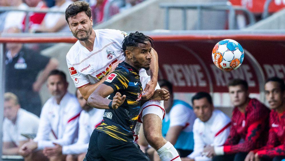 Köln und Leipzig lieferten sich einen intensiven Kampf. - Bildquelle: imago images/Mika Volkmann