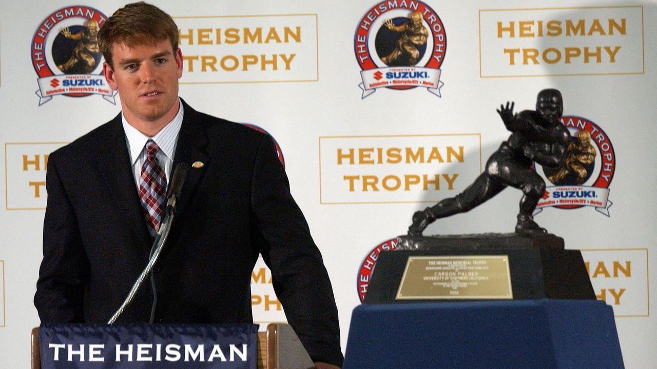 Carson Palmer gewinnt die Heisman Trophy - Bildquelle: 2002 Getty Images