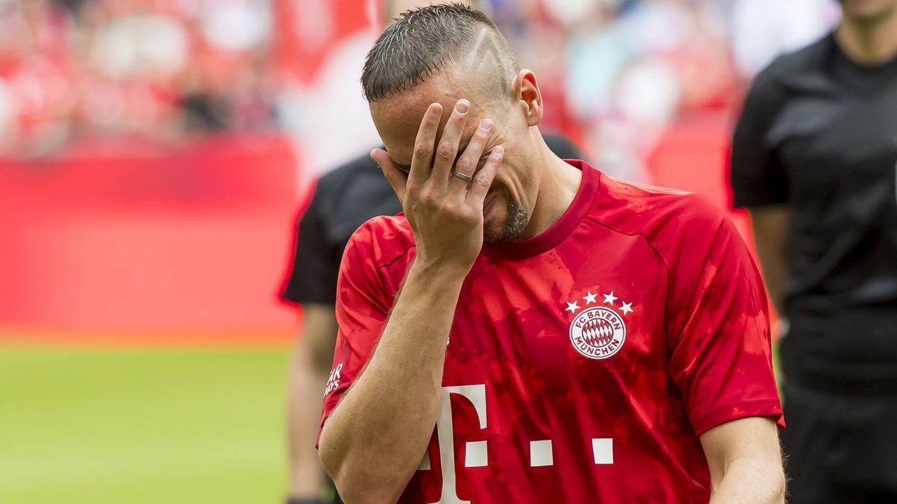 Franck Ribery zu Tränen gerührt - Bildquelle: imago images / Nordphoto