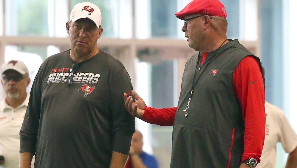GM Jason Licht und Trainer Bruce Arians (re.). - Bildquelle: imago images / Icon SMI