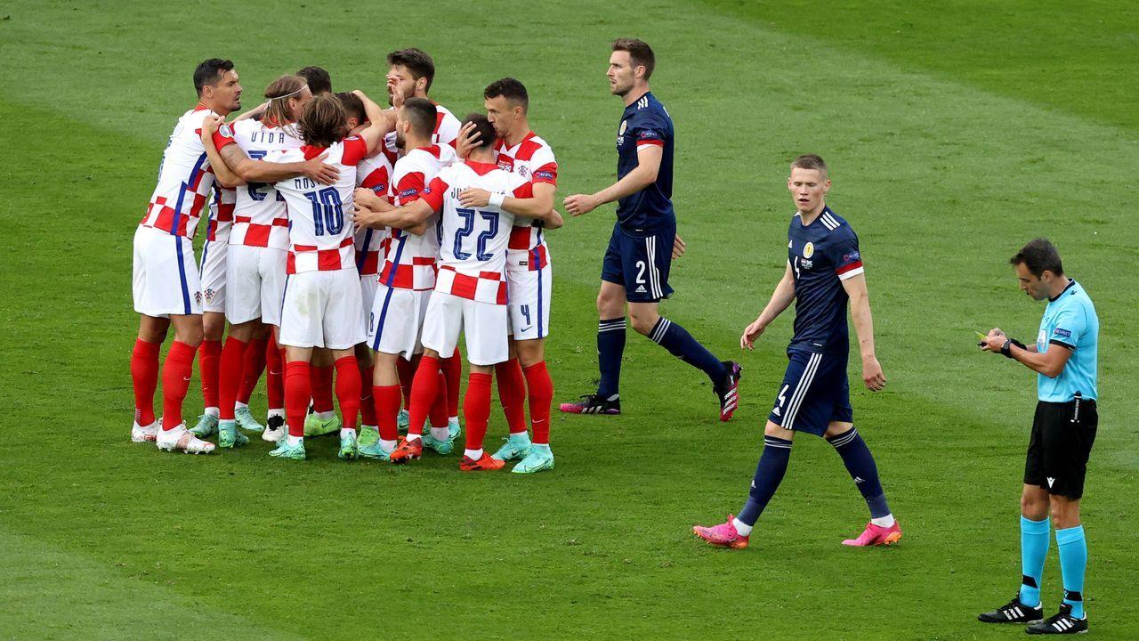 Kroatien feiert das 1:0 - Bildquelle: Imago